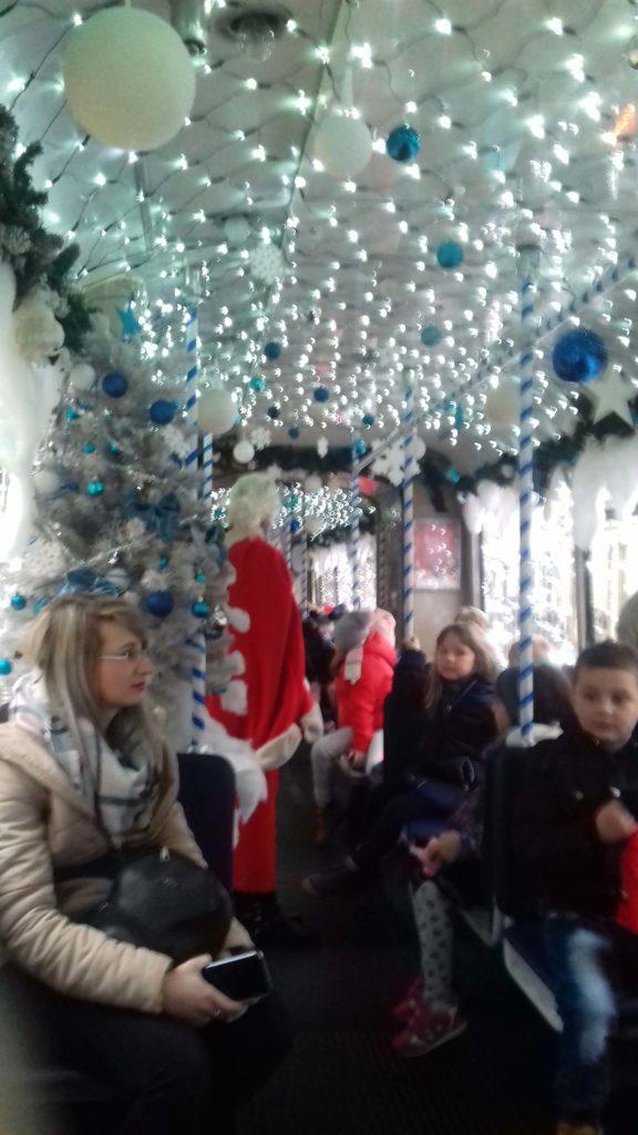 Bozicni tramvaj u Osijeku1